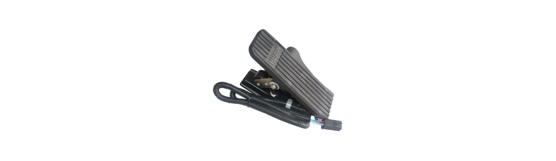 Ovladače, kabely a příslušenství